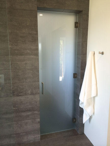 Heavy Glass Door with Towel Bar/Pull Handle Combo